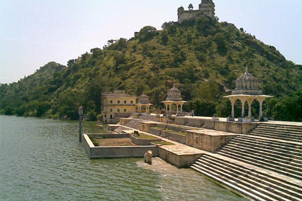 jaisamand-lake-udaipur-site-seen-list-best-tour-travel-company-in-udaipur-rajasthan-india
